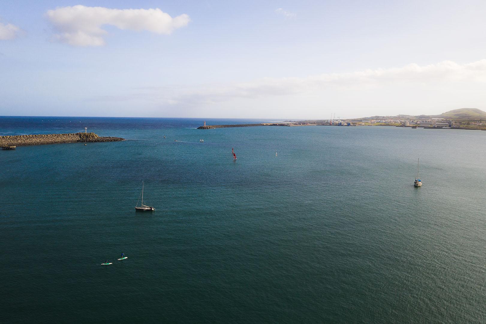 oceano_barcos_vela_paddle