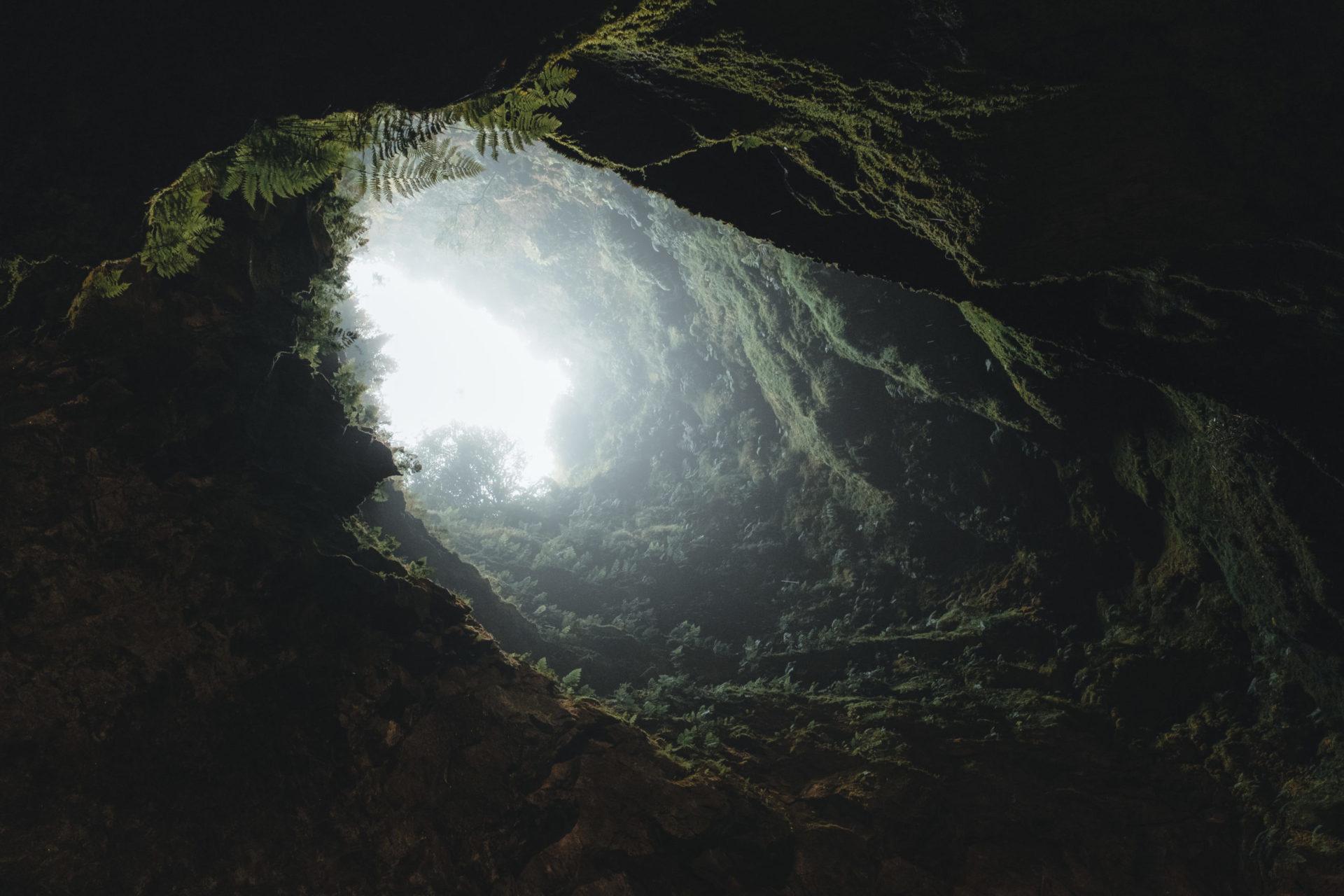 Vulcanismo y espeleología